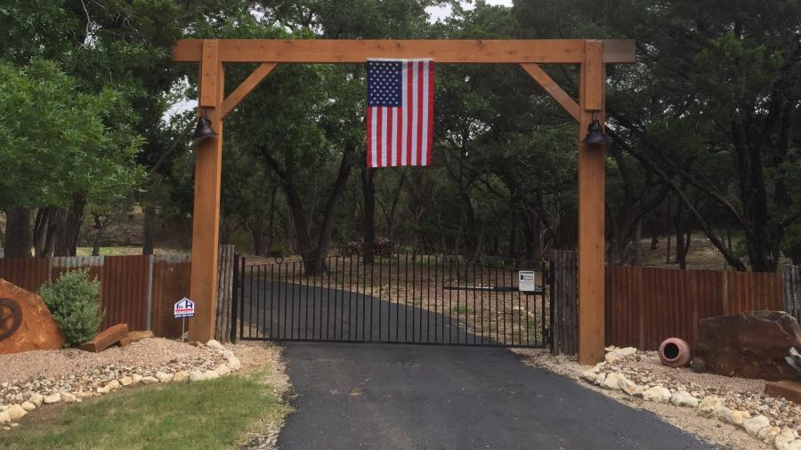 Redwoods Inc Waco - Cedar Entry Way Project