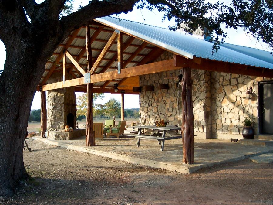 Redwoods Inc Waco - Cedar Log Columns Project