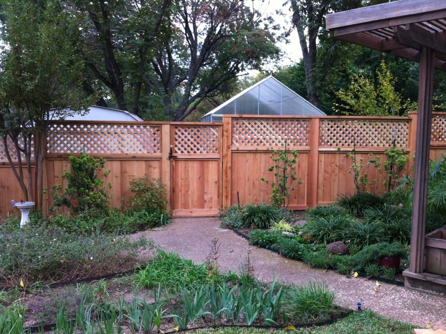 Redwoods Inc Waco - Yard Privacy Fence with Lattice