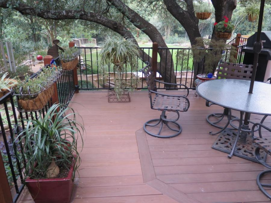 Redwoods Inc Waco - Deck Lumber & Metal Railing