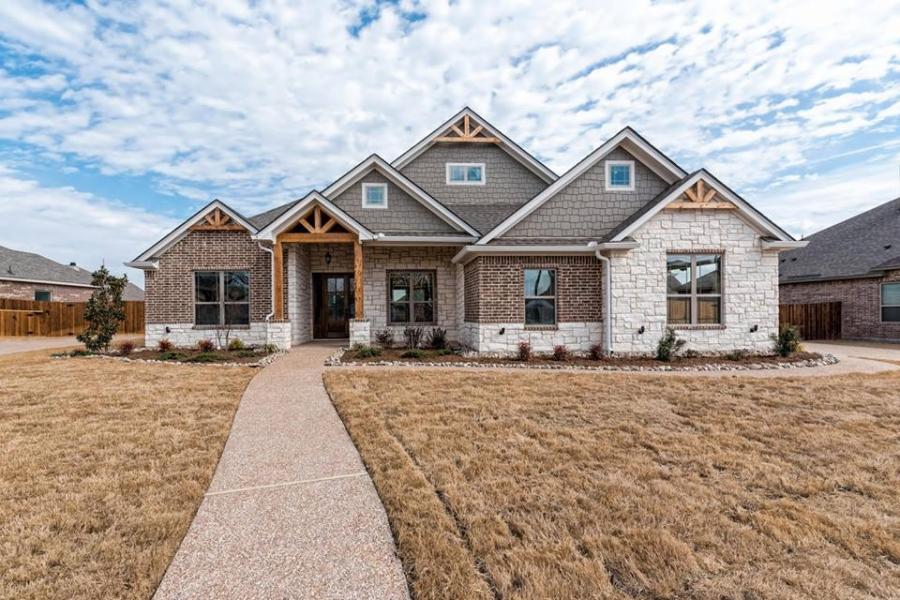 Redwoods Inc Waco - Brick Home Construction with Cedar Accents