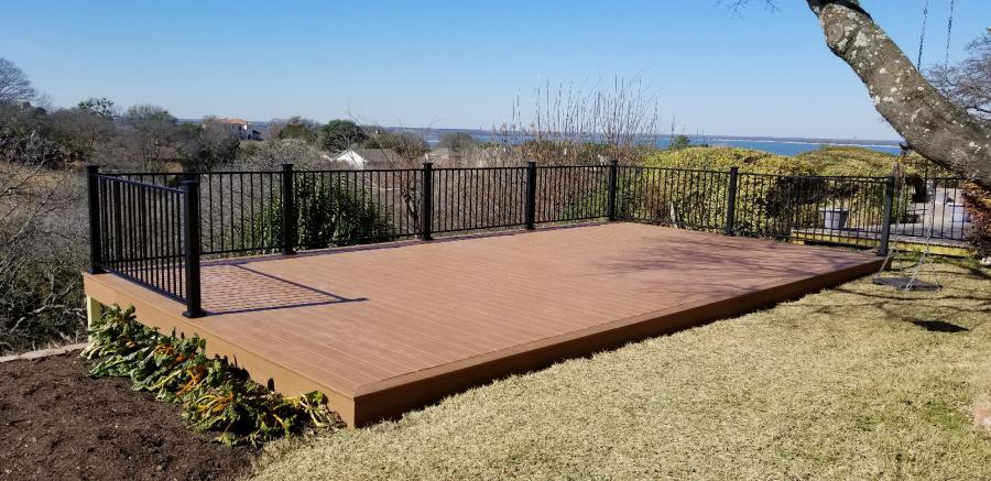 Redwoods Inc Waco - Deck with View & Metal Rail
