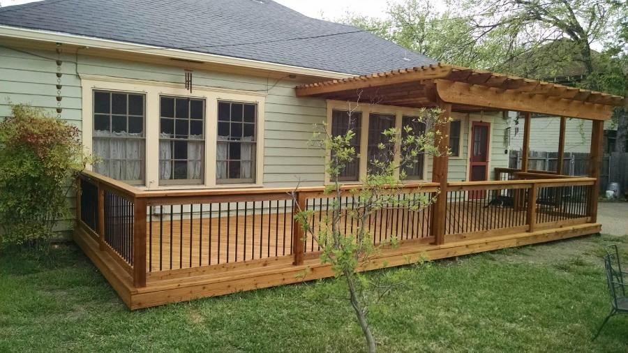 Redwoods Inc Waco - Cedar Wood Deck & Metal Railing Project